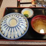 食堂 いちばん - カツ丼 800円