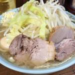 ラーメン二郎 - 【再訪】小ラーメン(麺硬め,野菜,ニンニク,アブラ)