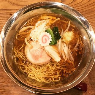 新潟 鶏らーめん せっぺ - 生姜香る 四段重ね 醤油ラーメン 810円