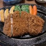 とんかつ大町 - 料理写真:「特製ロースかつ定食」
