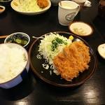 庵とん - 料理写真:ロースカツ定食。美味い!
