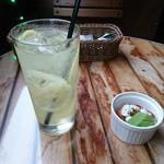 cafe&dining nurikabe - オリジナルレモンサワーとお通し