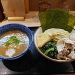 らー麺土俵 鶴嶺峰 - 料理写真:つけ麺並盛幕内+特製トッピング