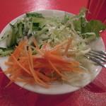 カプリチョーザ - 【フレッシュトマトとバジリコのスパゲッティ】セルフでサラダを...