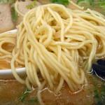 来来亭 - 「こってりラーメン(麺堅め・ネギ多め)」麺