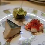 尾乃道 - ☆蒸し鮑、海老、アボガド