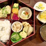 花 - 料理写真:日替り弁当 600円 税別