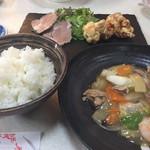 107983046 - 中華定食 1070円 八宝菜がめちゃうま。