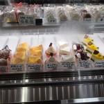 大鳳堂 - ケーキも美味しそう♪