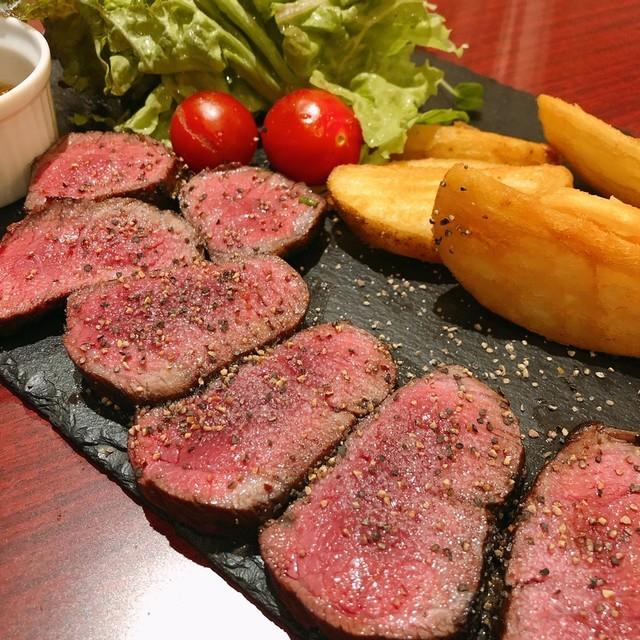 A4和牛寿司 肉バル BISON 八王子店の料理の写真
