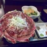 ICHIYA - はみだすカルビ丼¥1,200