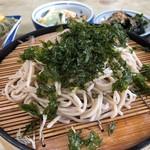 喜久屋 - 料理写真:天ざるそば 830円。