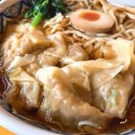 中国ラーメン揚州商人 - ワンタン麺ベースは醤油。890円