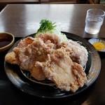 定食吉田屋 - 料理写真: