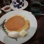 カフェ香咲 - ホットケーキとロイヤルブレンド