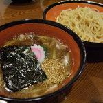 初代麺松 - 料理写真:肉汁つけめん(鶏魚介スープに豚バラ肉、にんんく、ねぎを加えました)