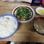 金盛軒 - 肉ニラ炒め定食¥900