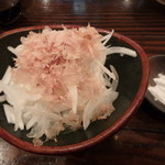和・豊田 - 玉ねぎそのまんまサラダ¥500