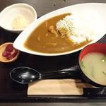 Nikumotsuyajimbou - ホルモンカレー(700円)