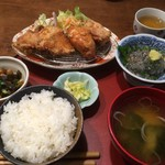定食屋しゃもじ - 鳥唐揚げ定食に、オプションで生シラスを。