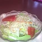 中国料理 青山 - サラダはサウザンドレッシング よくあるタイプの君さ