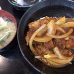 とんかつ 吉兆 - デミグラス丼定食 860円