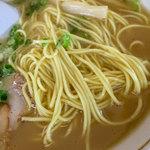 一九ラーメン - 濃いスープに中細のストレート麺。美味しかった。
