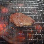 焼肉明洞 - 和牛中落ちカルビ