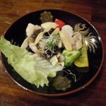 神山飯店 - エビとホタテの塩五目炒めのようなもの