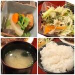 キッチン 秋津 - ◆厚揚げと大根などの煮物は、少し甘めのお味付。 ◆ご飯の質は普通。 ◆サラダ ◆お味噌汁は若布入り