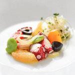 ラ・カロッツァ - 料理写真:蛸とグレープフルーツのマリネ クミンの香り
