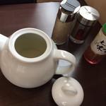 Matsuna - お出汁と卓上の調味料