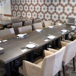 トラットリア シゲタ - テーブル席