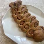 セイロン ティー&ブレッド -  大山ソーセージエピ ライ麦の生地に大山ソーセージを丸ごと1本使用したエピ