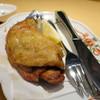 手打蕎麦 ごとう - 料理写真:骨付きひな鳥のモモ肉パリパリ揚げ700円