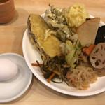山王うどん - 食べ放題惣菜