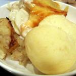 レストラン セリーナ - ポルチーニ茸リゾット、ヤンソンの誘惑(ポテトグラタン)、パン。