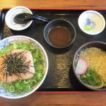 街かど屋 - ねぎとろ丼とミニうどんセット 780円(税込)。     2015.05.12