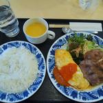 10811027 - ペアランチ \840 豚肉生姜焼き プレーンオムレツ