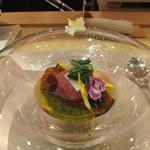 元永 - 料理写真:鮪と千枚蕪+水菜のミルフィーユ仕立てめかぶの泡とオニオンの雪