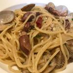 イタリアンレストラン コロラト - 料理写真:アサリと蛍イカの塩味