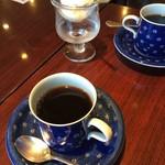 珈琲のシャポー - ブレンドコーヒー 生クリームがついてきます