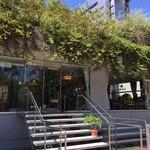 珈琲のシャポー - アクロスの1階、何度も前を通ってますが、入店は初めてでした。