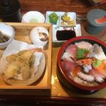 花のいわや亭 - 大盛り海鮮丼セット