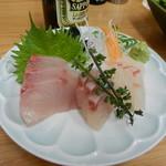 四ツ木製麺所 - 豊洲3点盛(カンパチ・シマアジ・タイ)