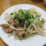 宝雲亭 - 塩ホルモン炒め