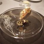 ASAHINA Gastronome - 鷲鳥のフォアグラと黒トリュフのテリーヌ、ゴールデンキウイのクーリ