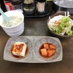ビビンパハウス - ランチはおかず2品・スープ・サラダ付き