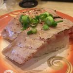 回転寿し トリトン - 料理写真:お肉じゃないよ、炙りハラミ