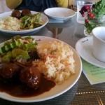 TOLGA - ランチ(ハンバーグとスープ)